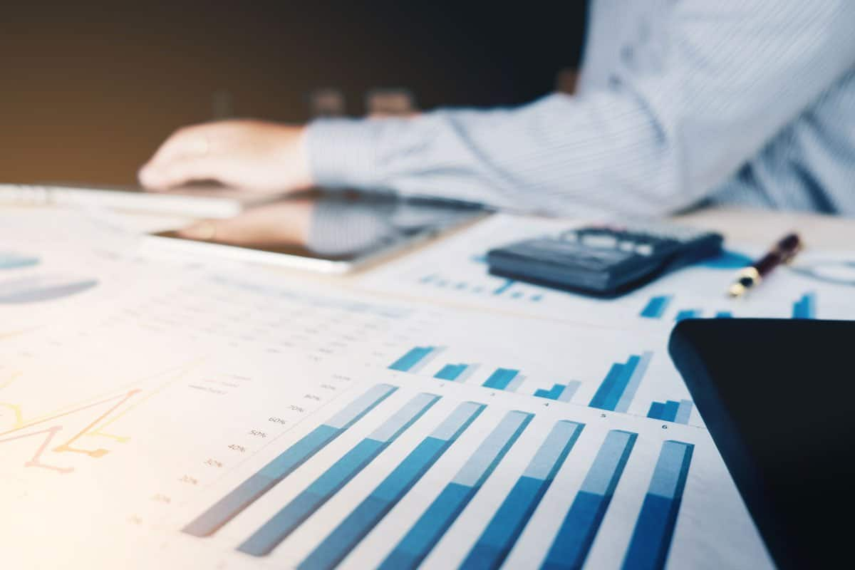 An accountant discusses the up-front costs of a professional website design.